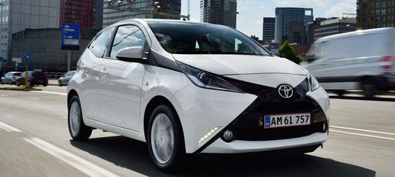 Få mindst 25.000 kr. for din gamle bil hos Toyota