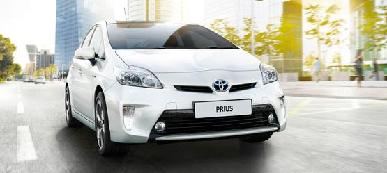 Priuksen maailmanlaajuinen myynti ylitti 3 miljoonaa.