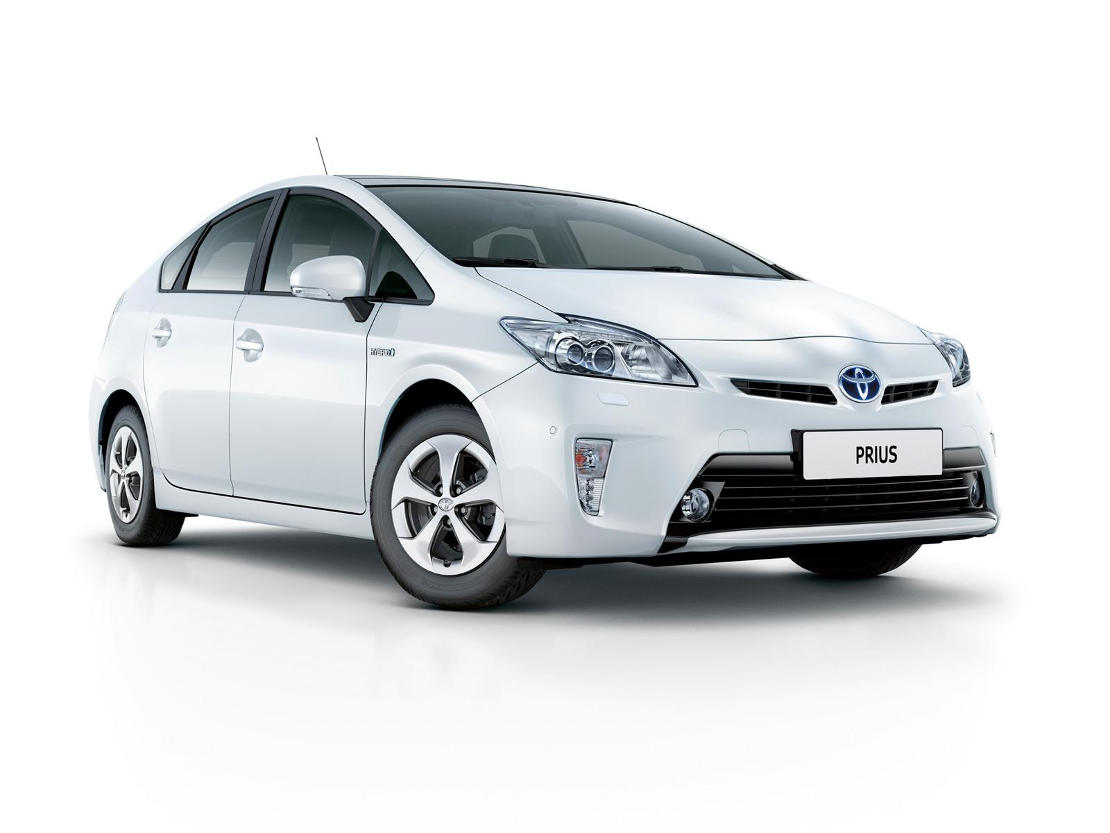 Машина Toyota Prius