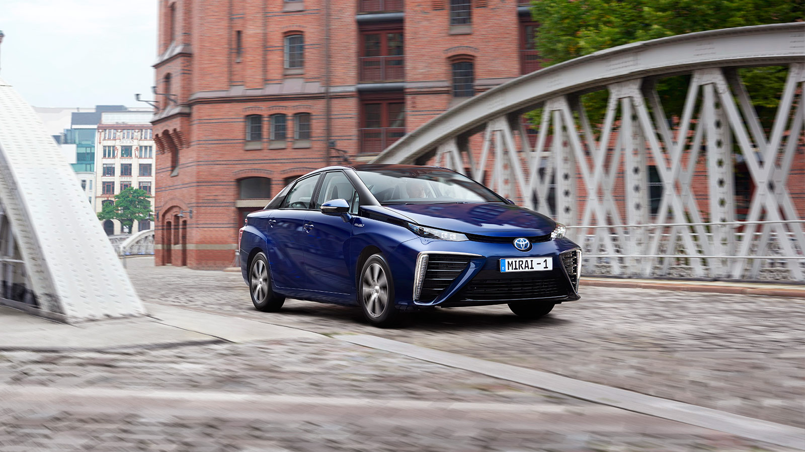 Mirai, Fuel Cell, driving, Germany, bridge