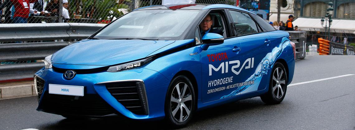 07/11/2016 Триумф Toyota Mirai на экологическом ралли е-Rally Monte-Carlo