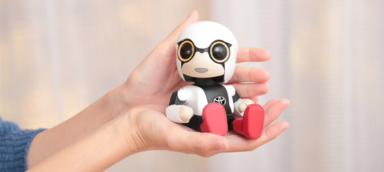 29/11/2017 Тойота запустила продажи робота-компаньона Kirobo Mini
